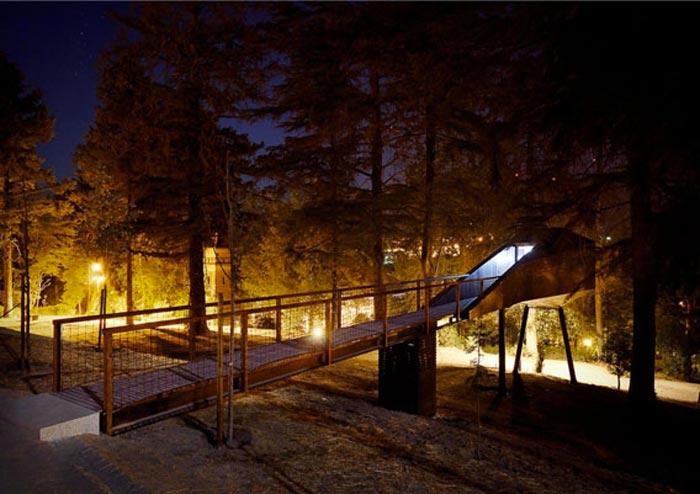 Tree_Snake_Houses_Pedra_Salgadas_Portugal_15
