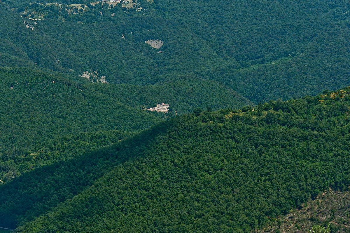 eremito-umbria-italy-hotel-resort-travel-inspiration-getaway